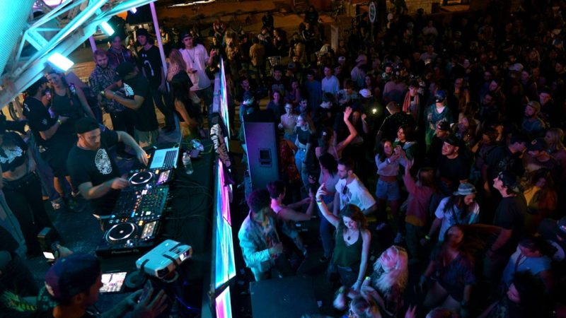 dragomi-art-car_street-stage_block-party_boulder_01