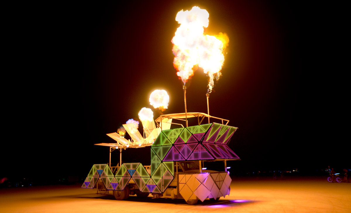 dragomi-art-car-dragon-fire-effects-1200x